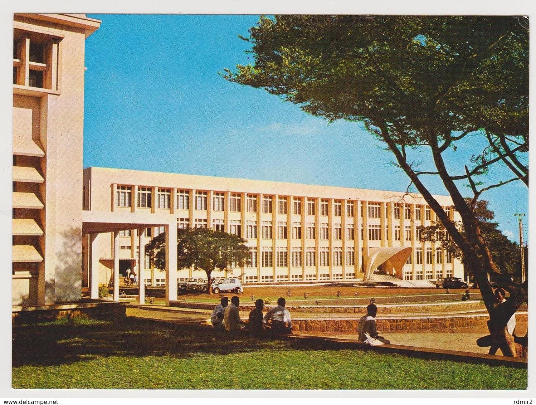 1675/ DIEGO SUAREZ [Antsiranana], Bâtiment Administratif. - Non écrite. Unused. No Escrita. Non Scritta. - Madagascar