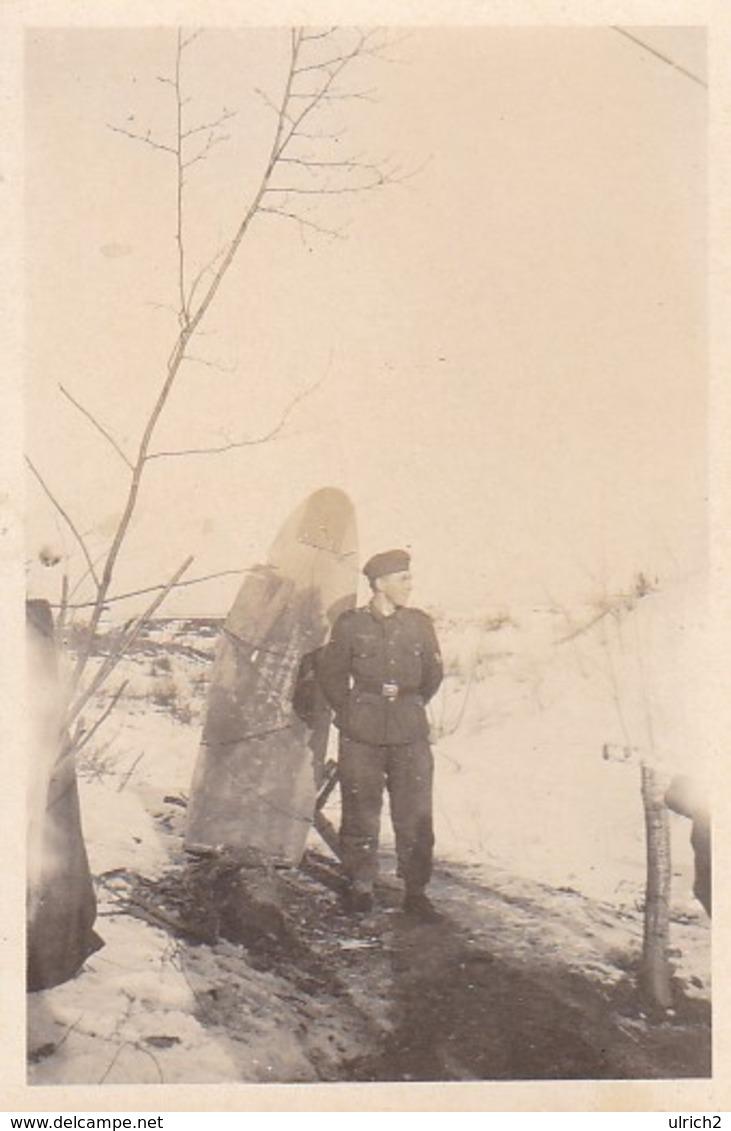 Foto Deutscher Soldat Im Winter -  2. WK - 8,5*5,5cm (41207) - Krieg, Militär