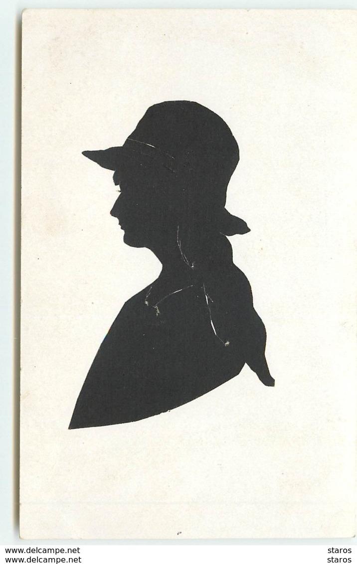Silhouette N°8 -  Jeune Femme Cheveux Longs Portant Un Chapeau - Silhouettes