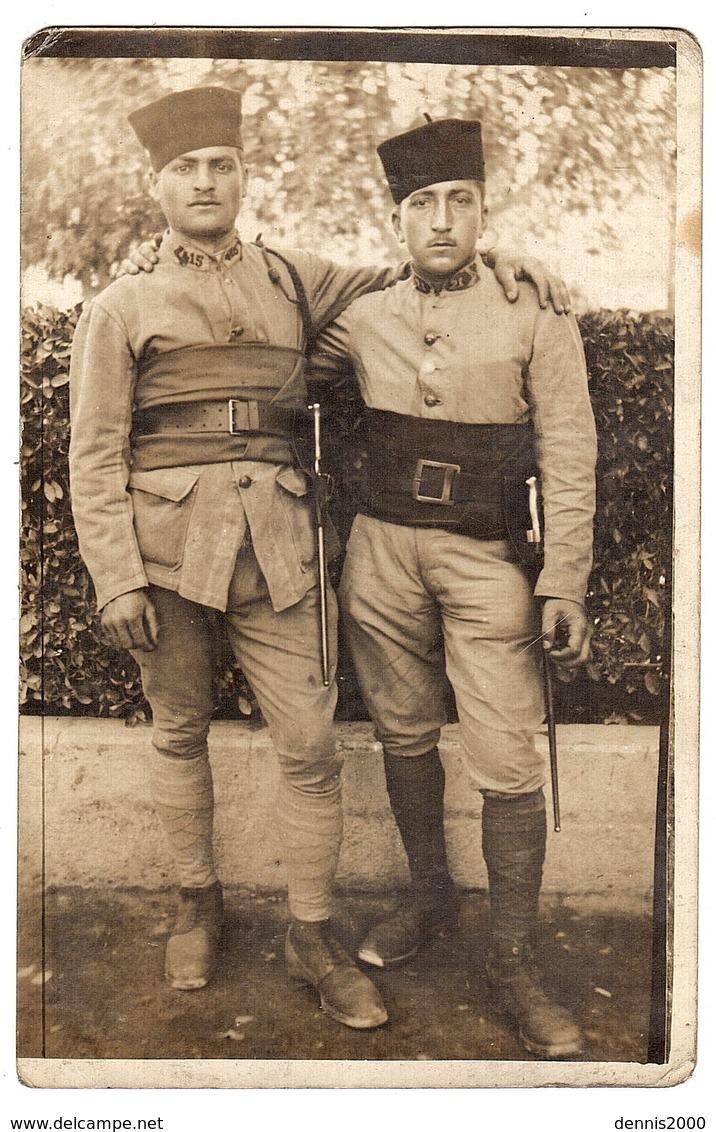 MILITARIA - CARTE PHOTO  - DEUX MILITAIRES - War 1914-18