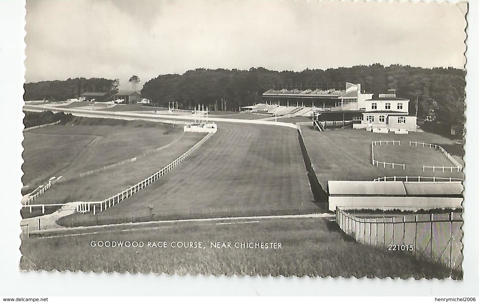Angleterre Near Chichester Goodwood Race Course Champ De Course Hippodrome Compététions Hippiques - Chichester