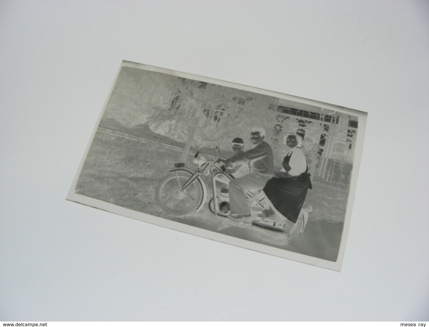 Moto Motocyclette Tcheque CZ Couple Homme Femme Enfant NEGATIF PHOTO ORIGINAL - Cars