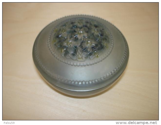 Boite A Poudre En Verre  Art Nouveau Fleur  Viard Lalique Daum Baccarat Voir Photos - Glass & Crystal