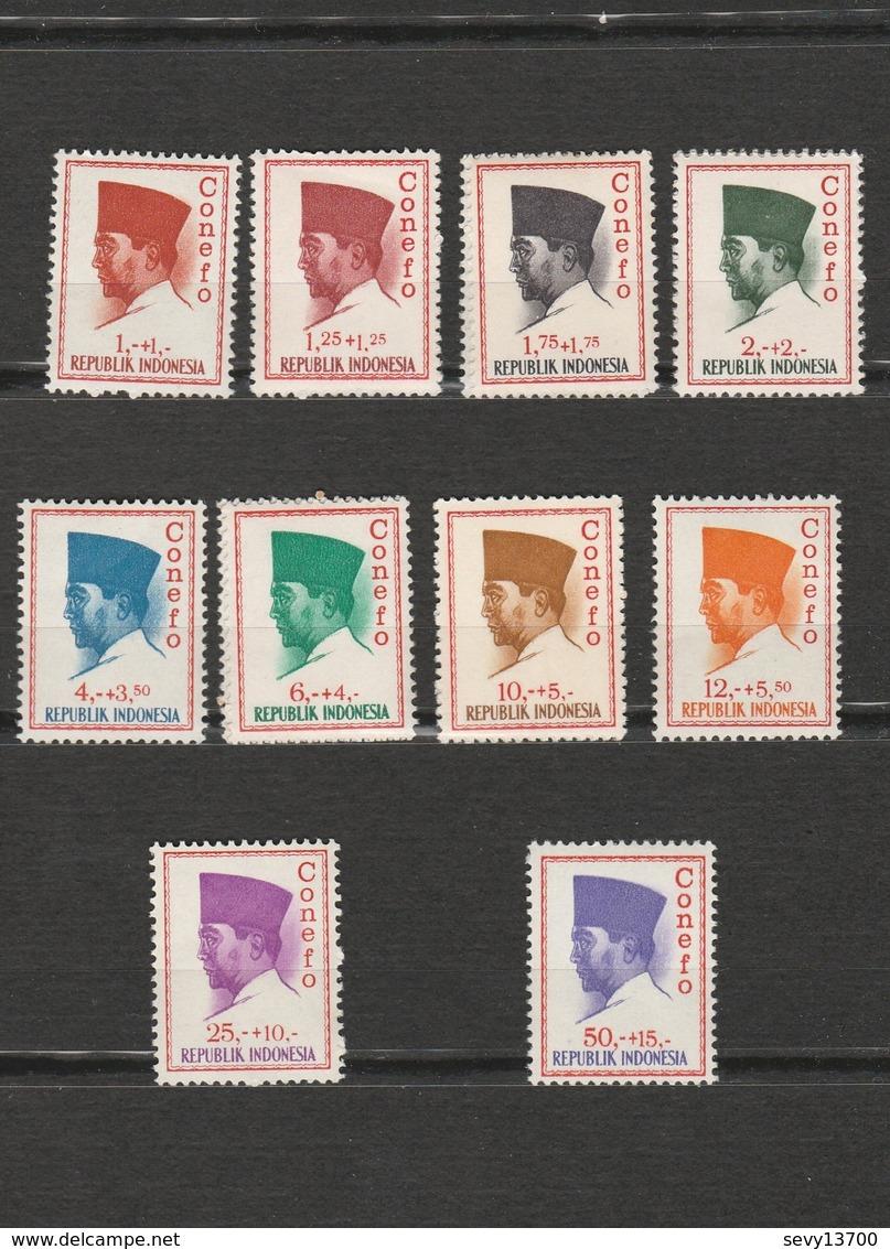 Indonésie Lot De 42 Timbres Président Sukarno - Indonesien