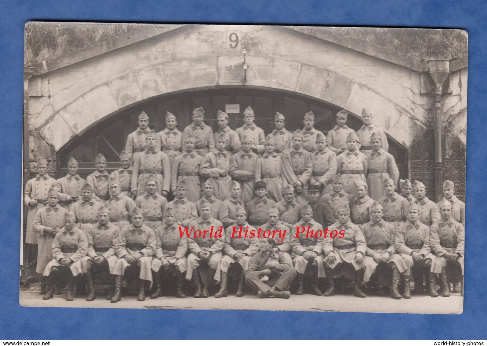 CPA Photo - Caserne à Situer , Réfectoire - Groupe De Militaire Du 20e Régiment - Non Classés