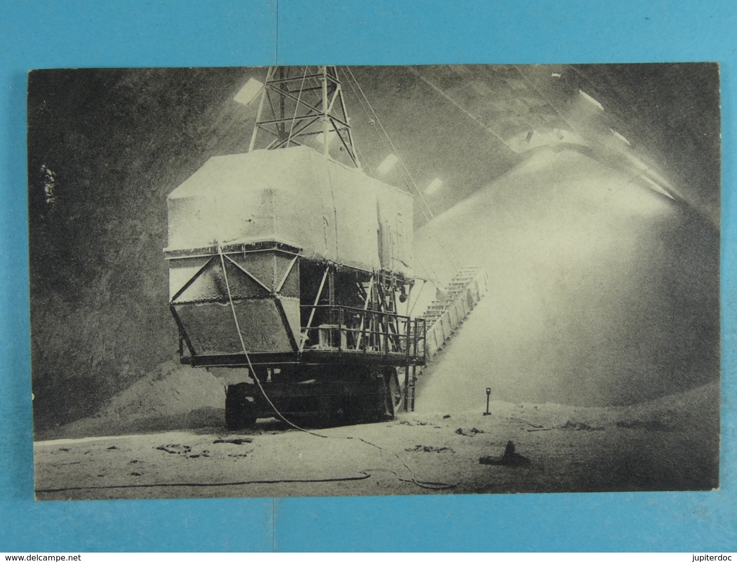 Willebroek Fabrieken Ammoniaque Synthétique & Dérivés Vue Intérieure Des Silos - Willebroek