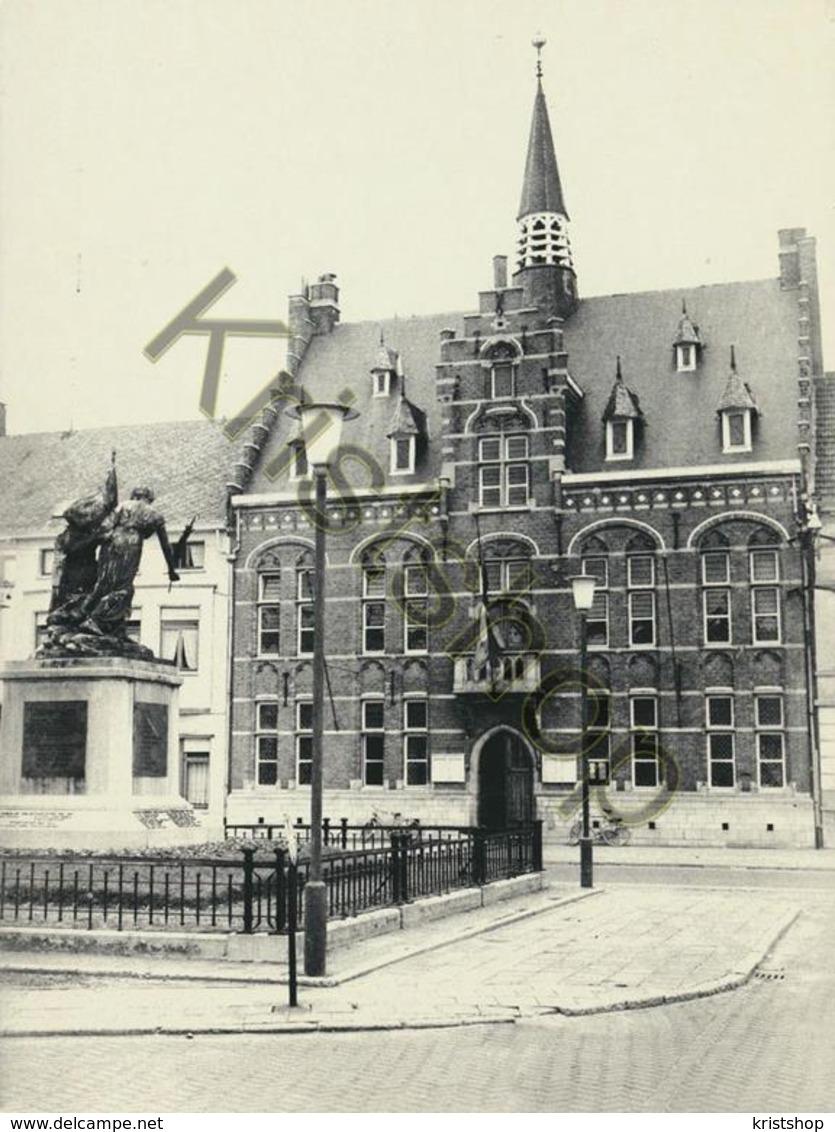 Arendonk - Gemeentehuis Met Gedenksteen  [4A-1.861 - Arendonk