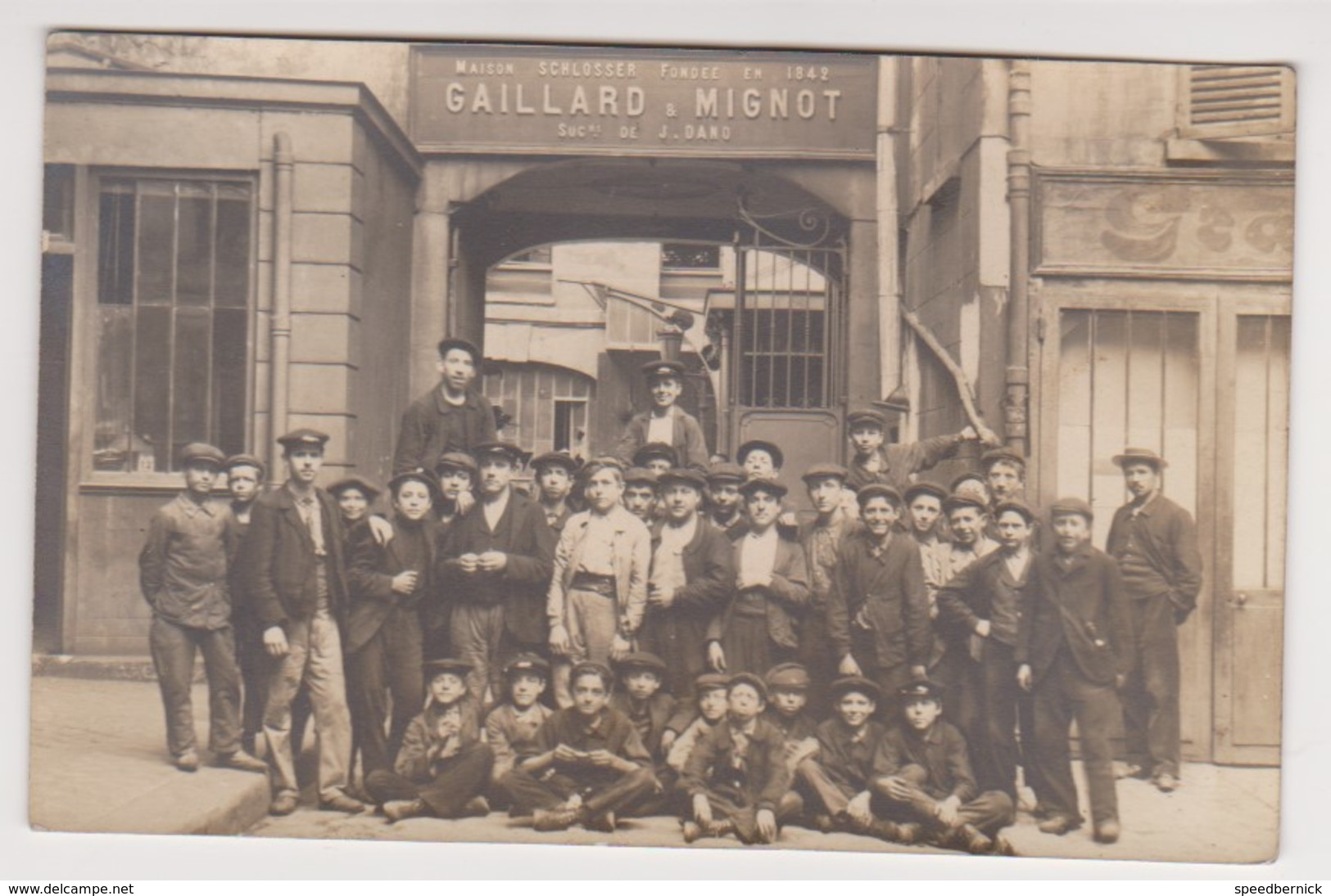 26973 Trois 3 Carte Photo  Gaillard Et Mignot  Usine Montreuil Sous Bois Paris - Ouvrier Ouvriere Enfant Travail 1900 - Montreuil