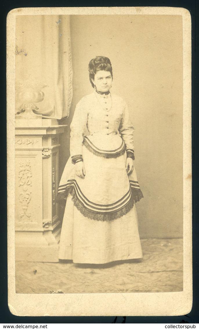 EGER 1870. Ca. Záhor Lipót : Ismeretlen Hölgy, Ritka Visit Fotó, Szép Darab Lásd Leírás - Foto's