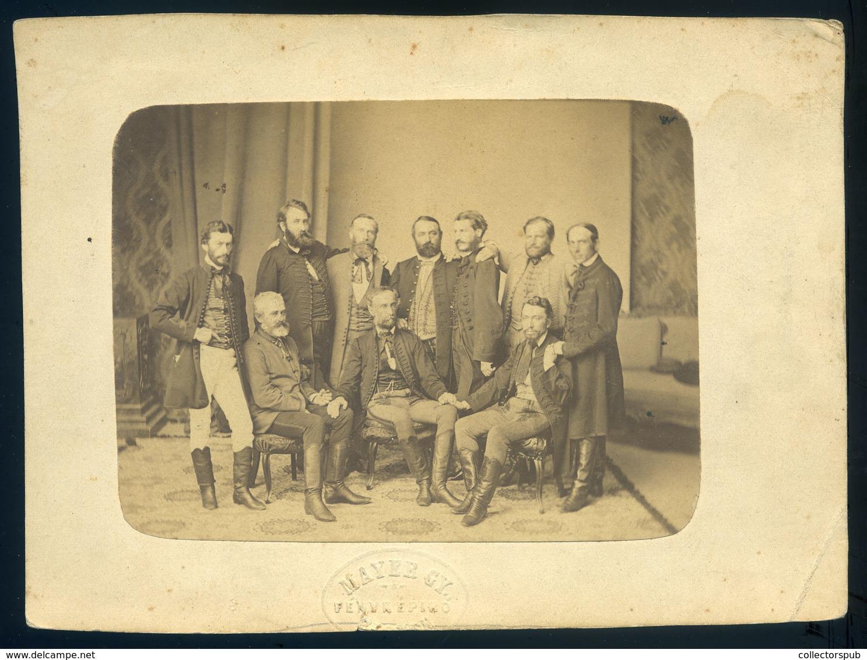 PEST 1856-60. Cca. Mayer György : Társaság, Férfiak, Régi Fotó 17*12cm  /  Group Of Men Vintage Photo 17*12 Cm - Foto's