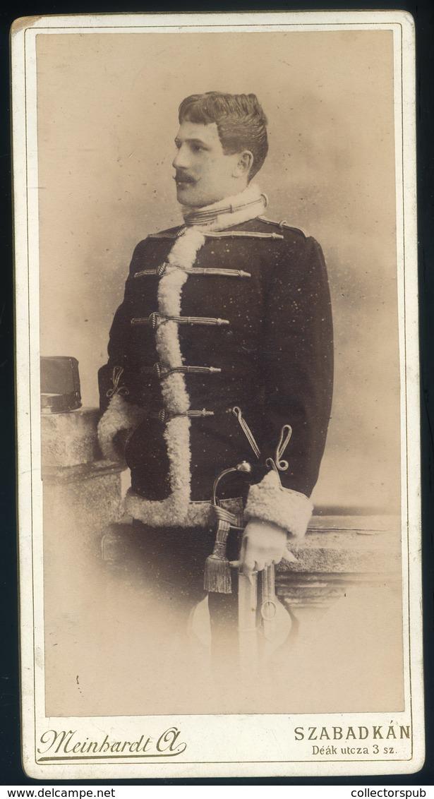 SZABADKA 1880. Ca. Meinhardt Ágoston : Katona Portré, Szép Cabinet Fotó - Foto's