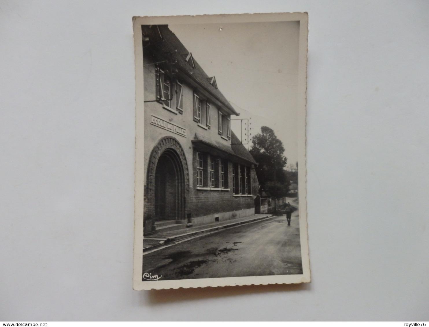 Grandcourt, école Des Filles. - Francia