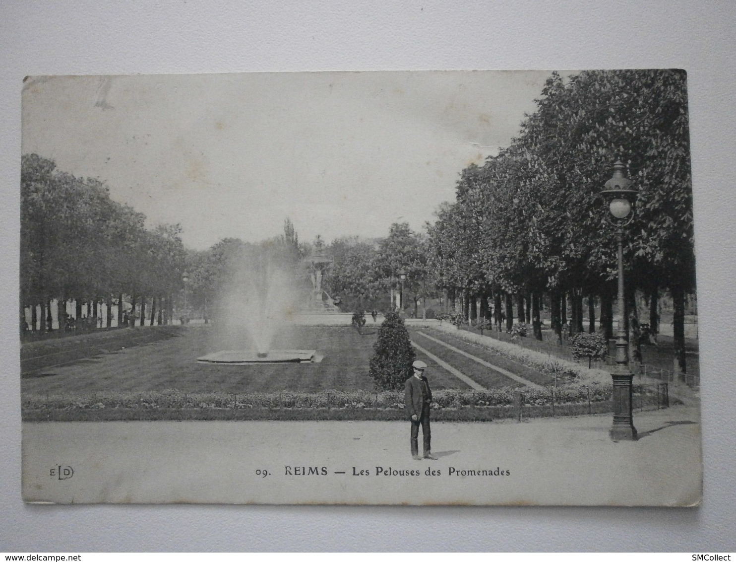 France. Lot De 40 Cartes (animées, Villages...) - Postcards