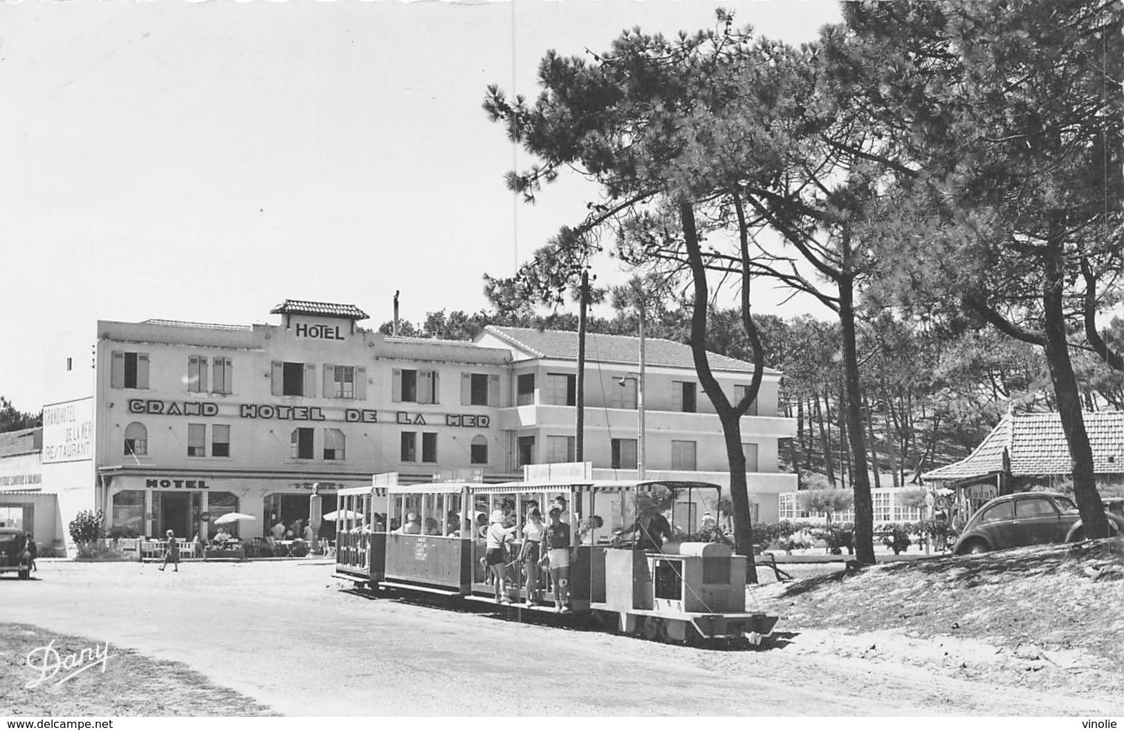 PIE-FO -19-5869 : CAP FERRET. HOTEL DE LA MER LE PETIT TRAIN. - France