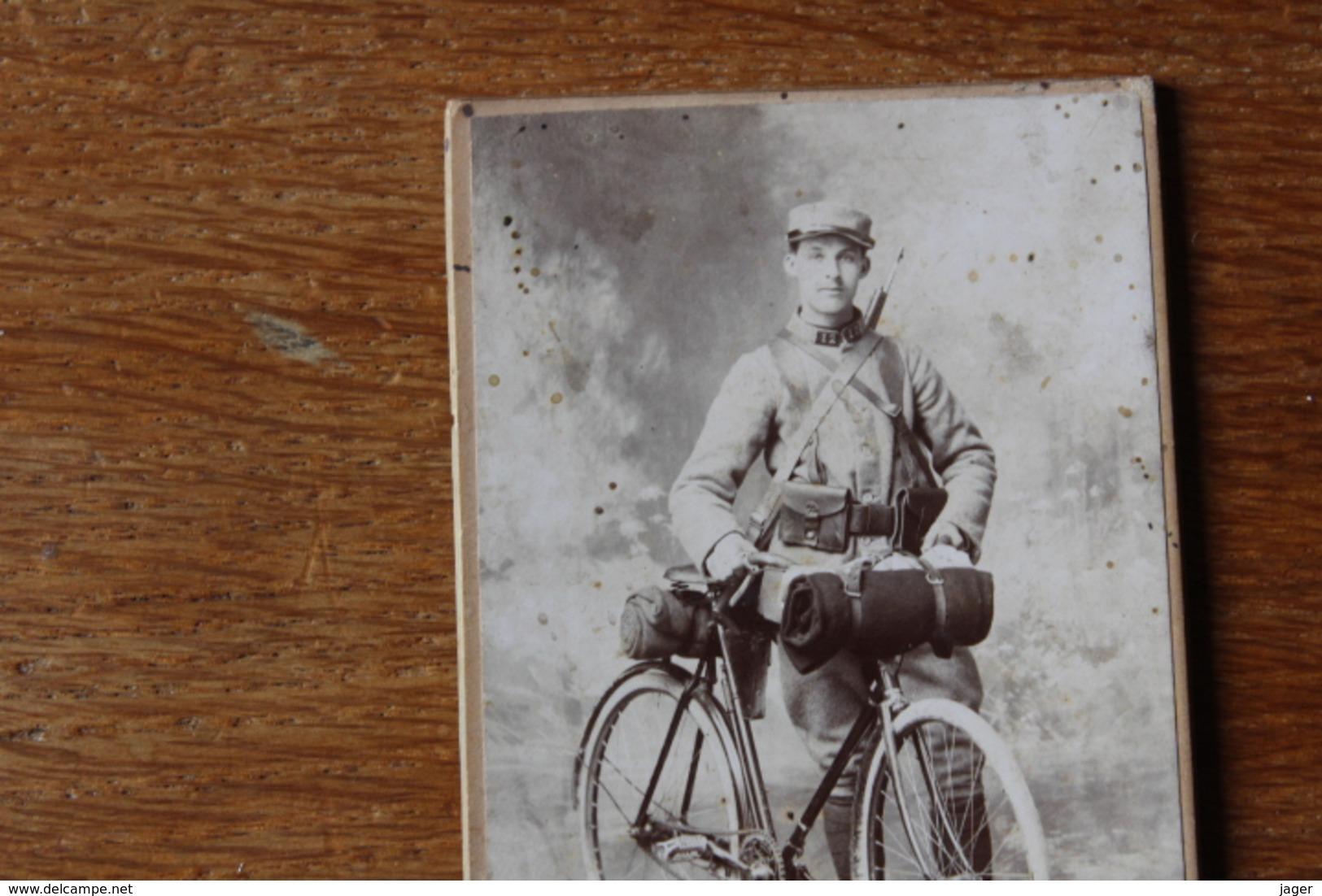 Cdv Guerre 1914  Poilu Cycliste  Tenue De Combat 12 Au Kepi - Guerre, Militaire