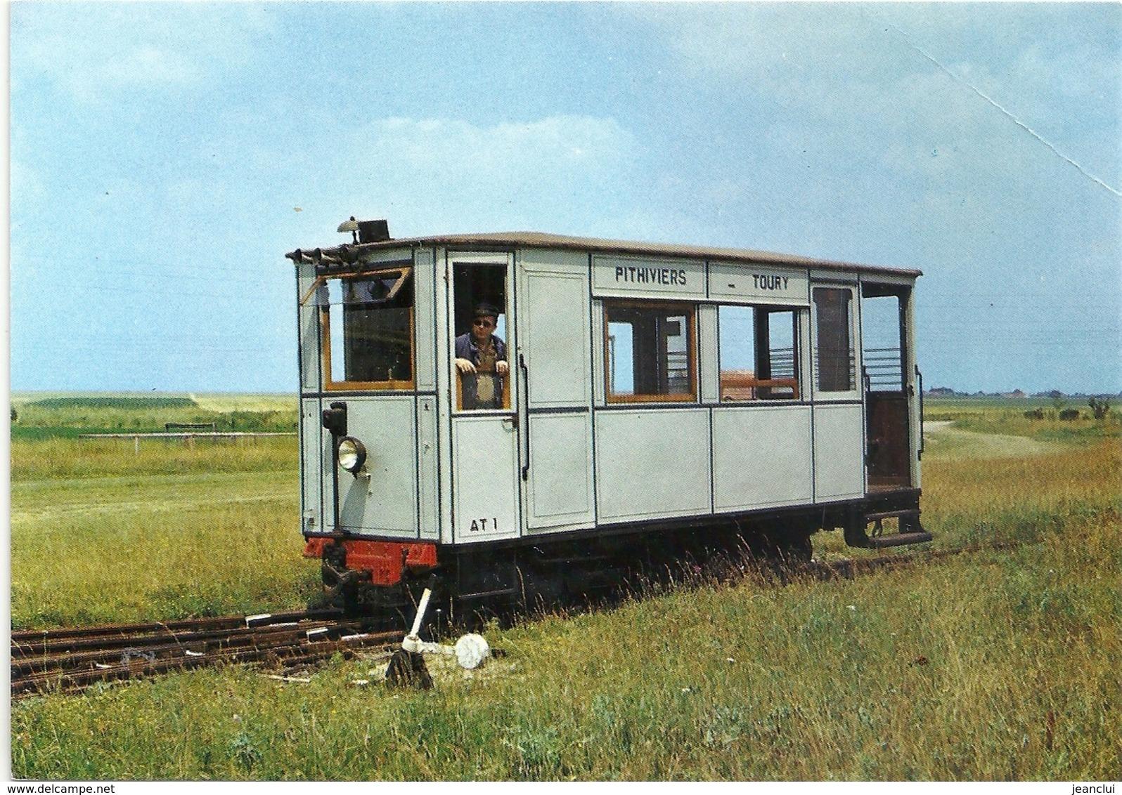 CPM . MUSEE DE PITHIVIERS . Automotrice Petroleo-electrique  CROCHAT . Livree Pour Le Reseau Du T.P.T. En 1922 . NON ECR - Trains