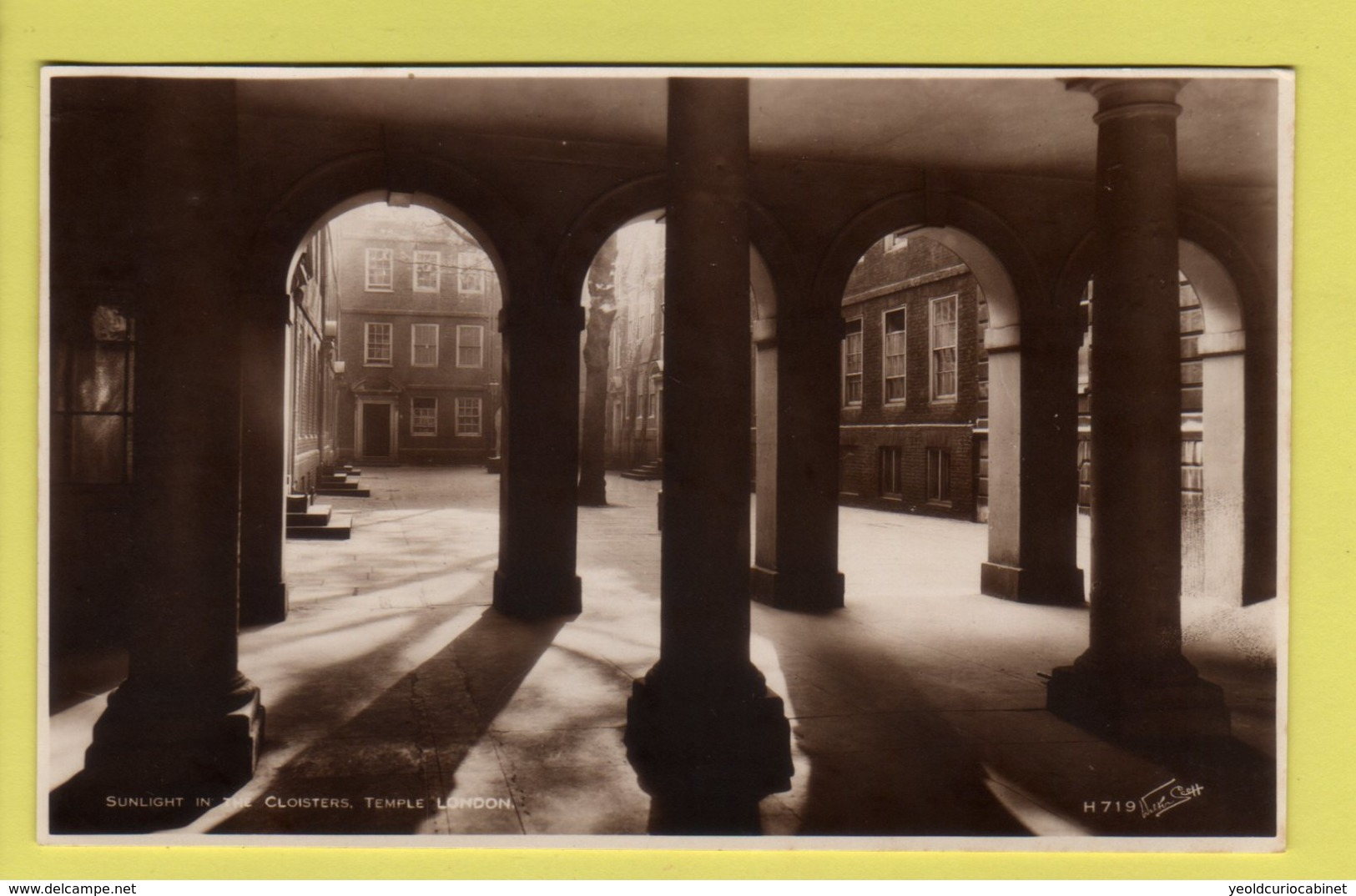 London - Temple, Sunlight In The Cloisters - Walter Scott Real Photo Postcard - Other