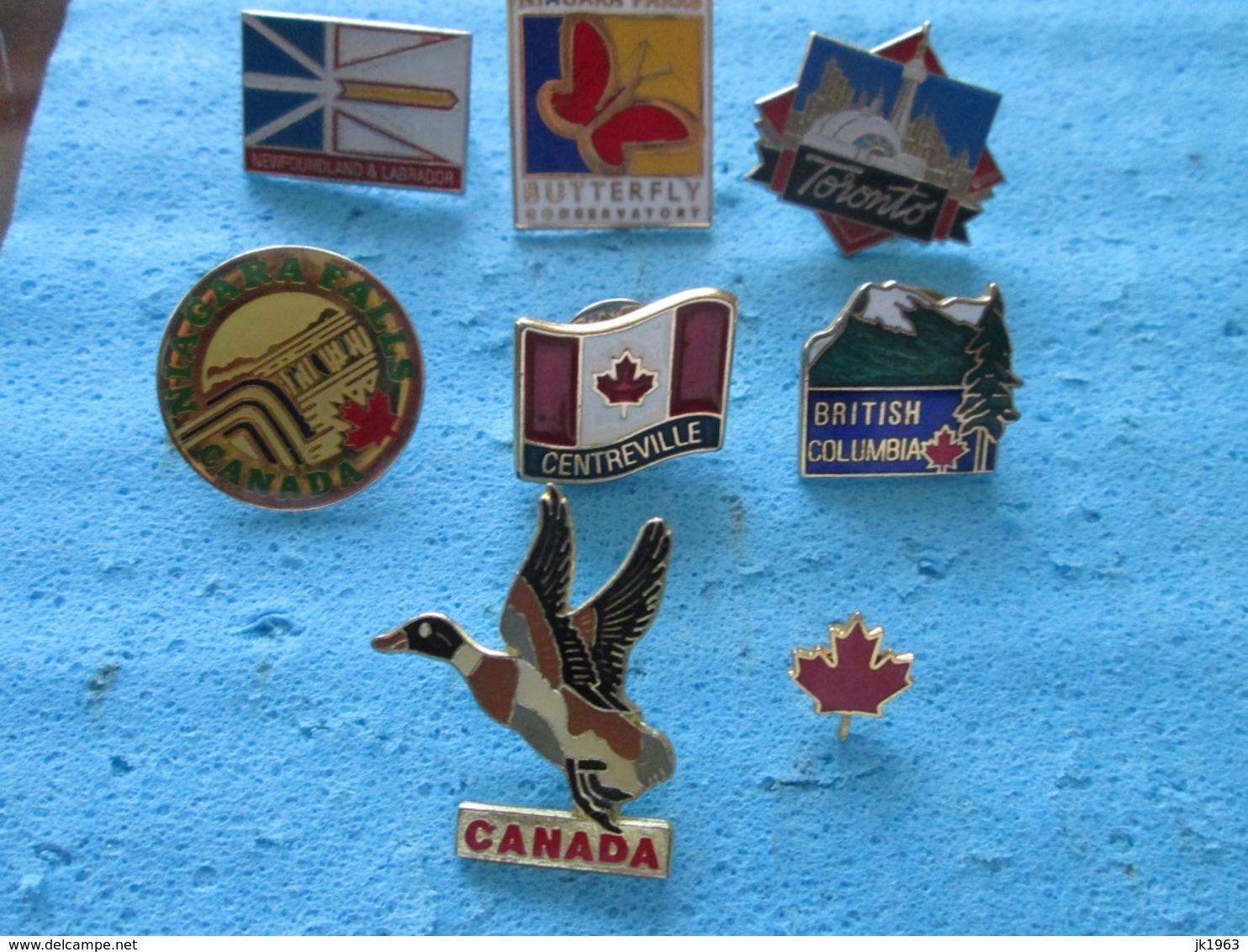 8 BADGES CANADA - Badges