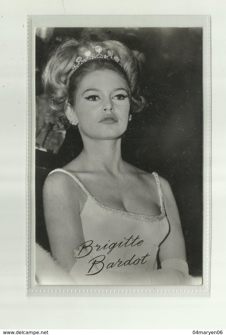 **BRIGITTE   BARDOT **-- - Femmes Célèbres