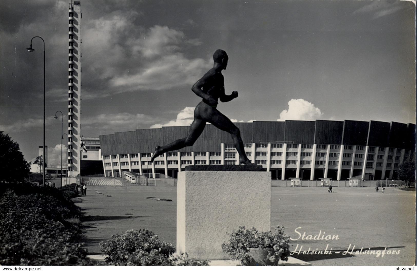 1958 FINLANDIA , TARJETA POSTAL CIRCULADA, HELSINKI STADION , ESTADIO , STADIUM - Estadios