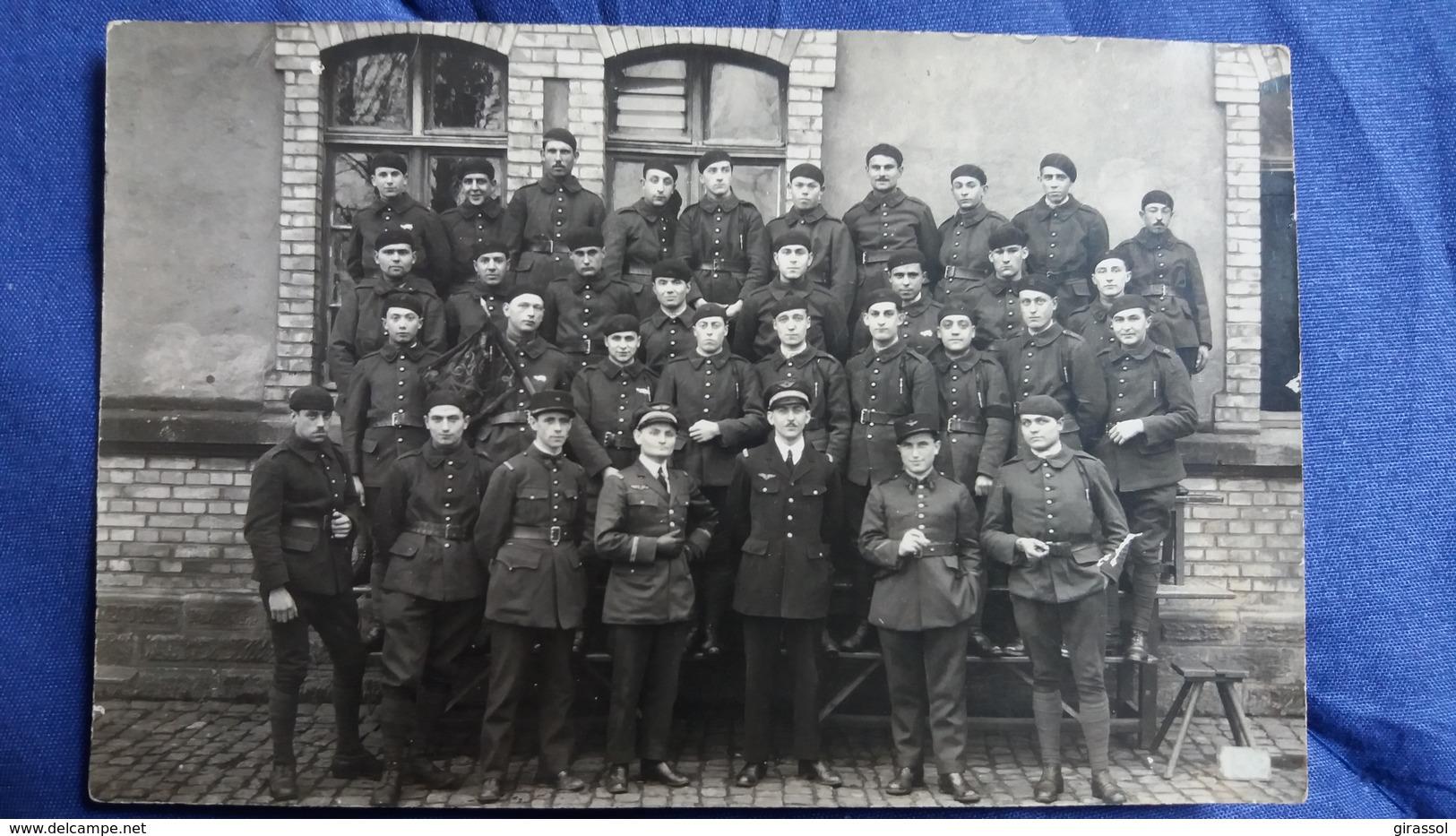 CPA PHOTO GROUPE DE  MILITAIRES GRADES ? NON LOCALISEE - Uniformi