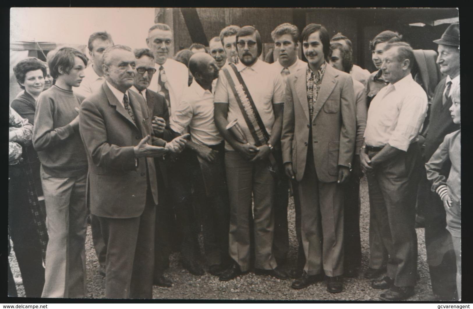 KALKEN     FOTO 1973    --  NIEUWE SCHUTTERSKAMPIOEN  15 X 8 CM - Laarne
