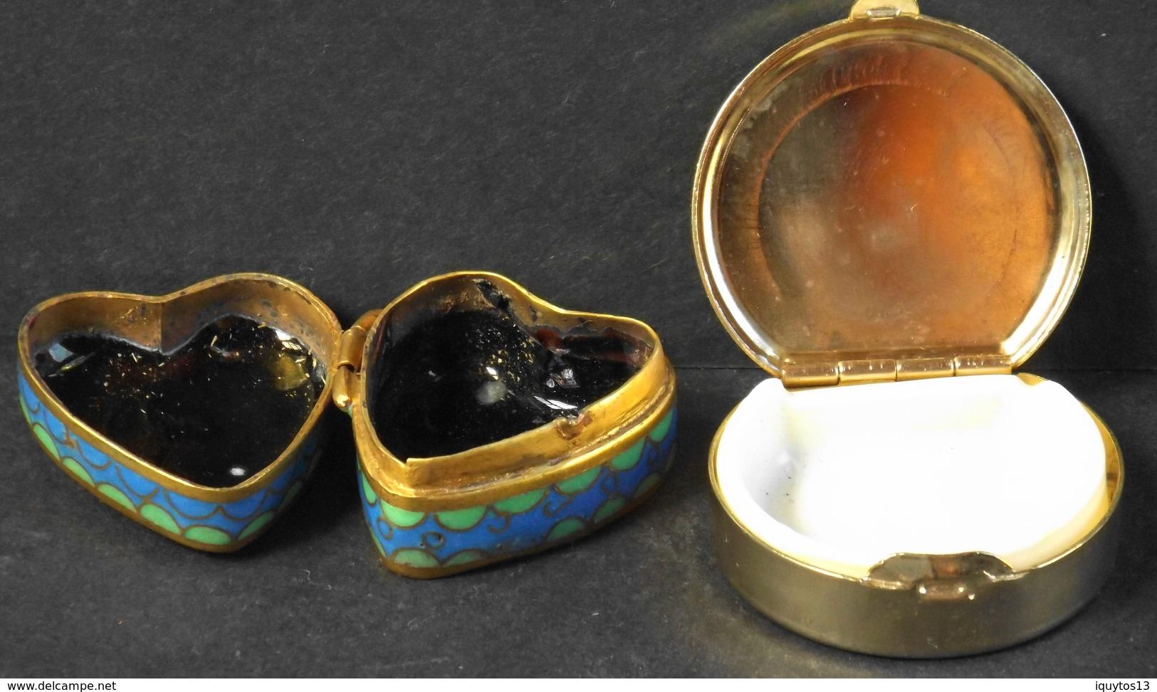 2 Boites A Pilule Dont Une Porcelaine Cloisonnée - Avec Des Motifs Stylisées - TBE - Boîtes/Coffrets