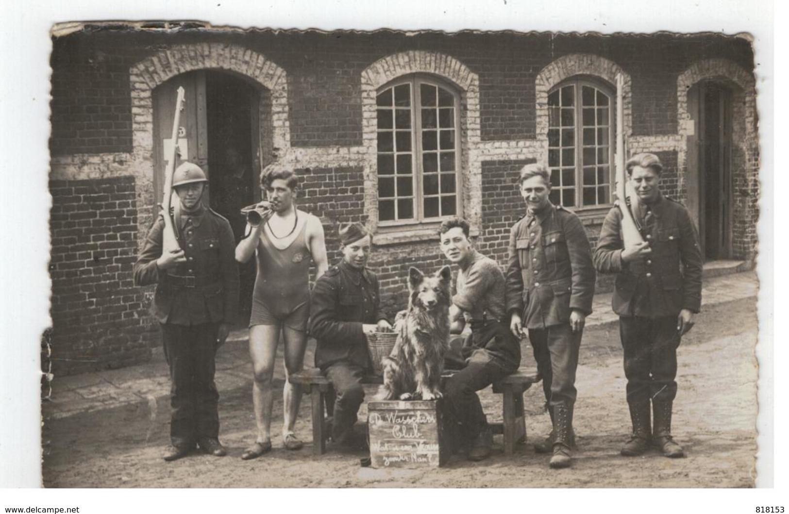 De Wasschers Club  Kamp Van Beverlo Met Soldaat(en) Uit Temse? Te Identificeren (uit Album Met Foto's V Temse) - Personnages