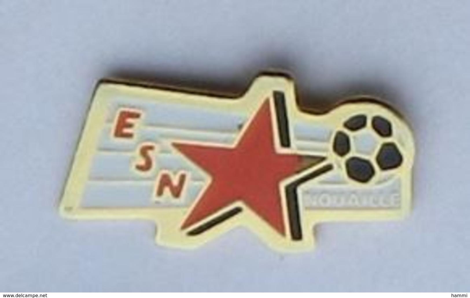 A183 Pin's FOOT FOOTBAL ESN Nouaillé Maupertuis Vienne  ACHAT IMMEDIAT - Football