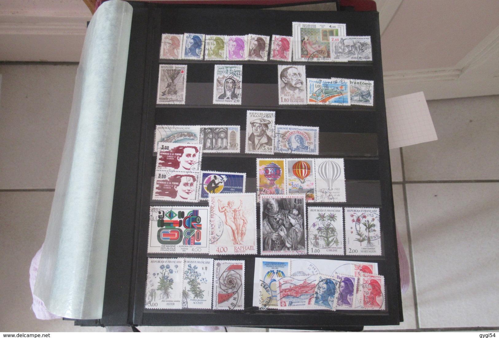 Enorme  Classeur De Timbres Oblitérés Des Timbres Classiques Aux Semi - Modernes Et Modernes 1849  - 1981      66  Scans - Stamps