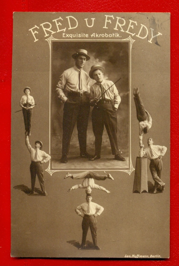 CIRCUS Acrobats FRED AND FREDY VINTAGE PHOTO POSTCARD USED 902 - Künstlerkarten