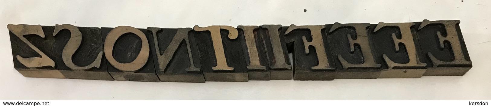 Lettres Typographique En Bois Diverses Lettres En Capitale - Technical