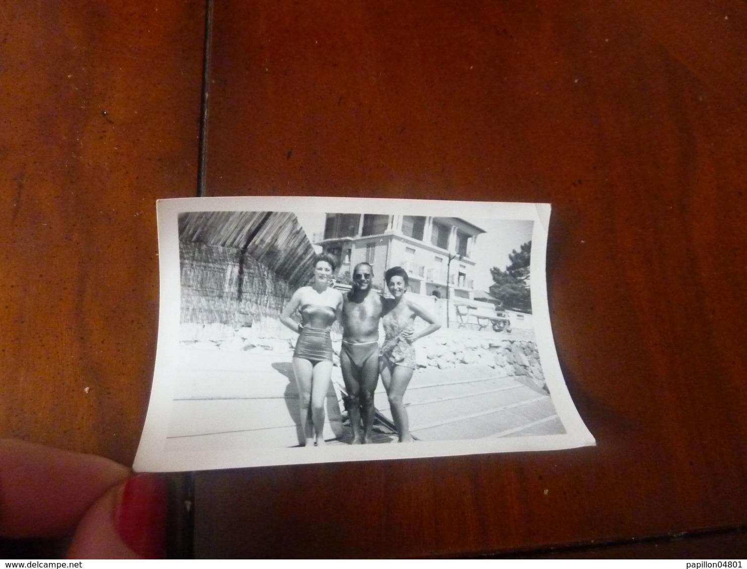 PHOTO ORIGINALE PLAGE FEMMES HOMME TORSE NU MAILLOT DE BAIN - Pin-Ups