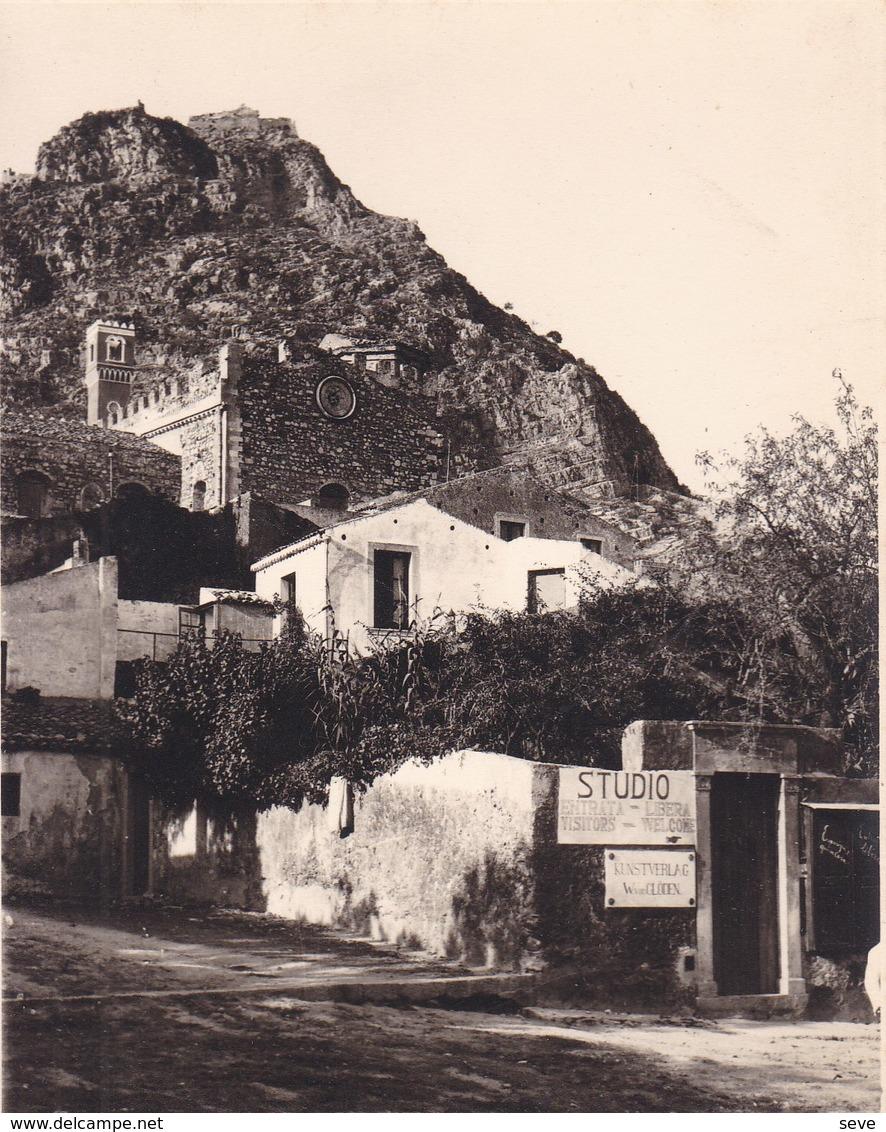 TAORMINA TAORMINE SICILE Atelier  De Von CLODEN  Août 1926 Photo Amateur Format Environ 6,5 Cm X 5,5 Cm - Lieux