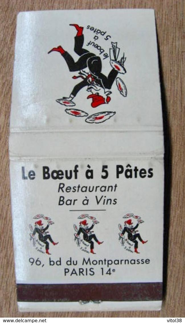 POCHETTE D'ALLUMETTES LE BOEUF A 5 PATES RESTAURANT BAR A VINS 96 BD DU MONTPARNASSE PARIS SON JOURNAL HUMORISTICO-GASTR - Boites D'allumettes