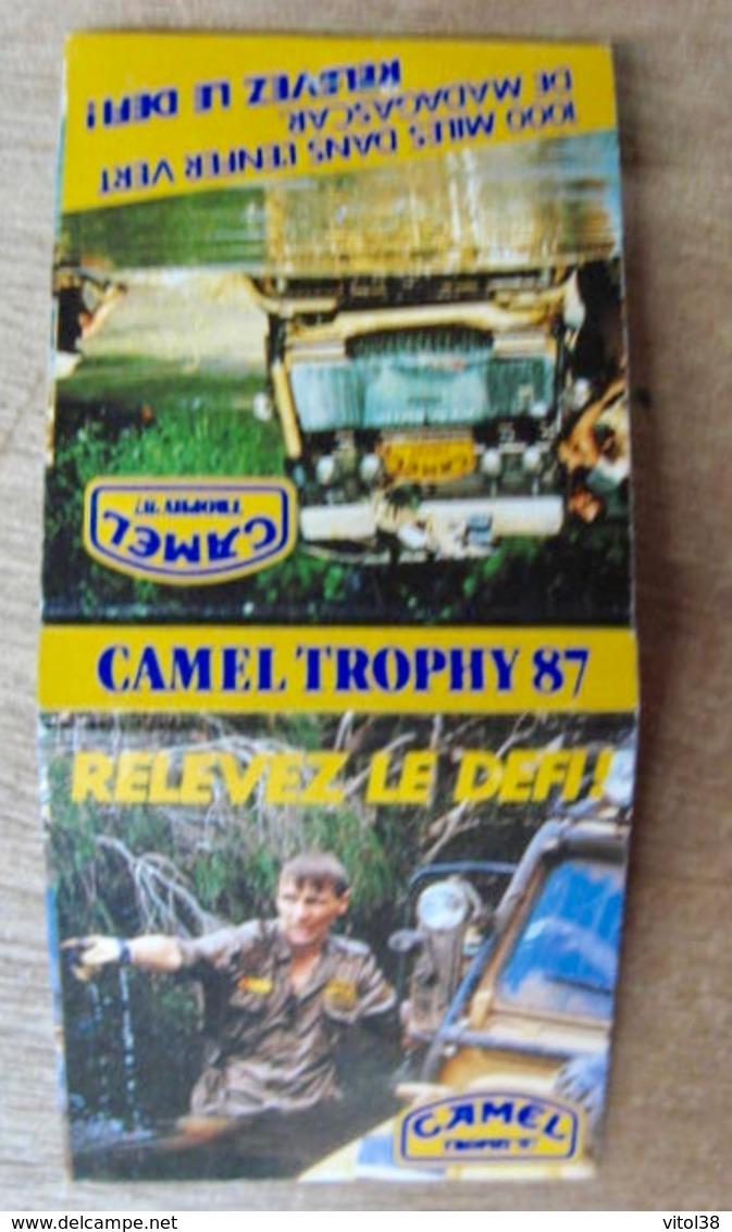 POCHETTE D'ALLUMETTES CAMEL TROPHY 87 1000 MILES DANS L'ENFER VERT DE MADAGASCAR RELEVEZ LE DER ! - Boites D'allumettes