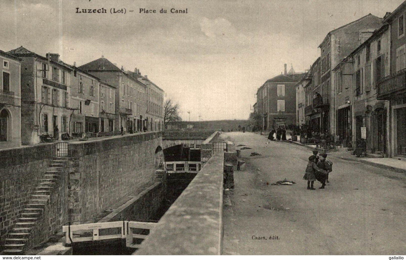 LUZECH PLACE DU CANAL - Luzech