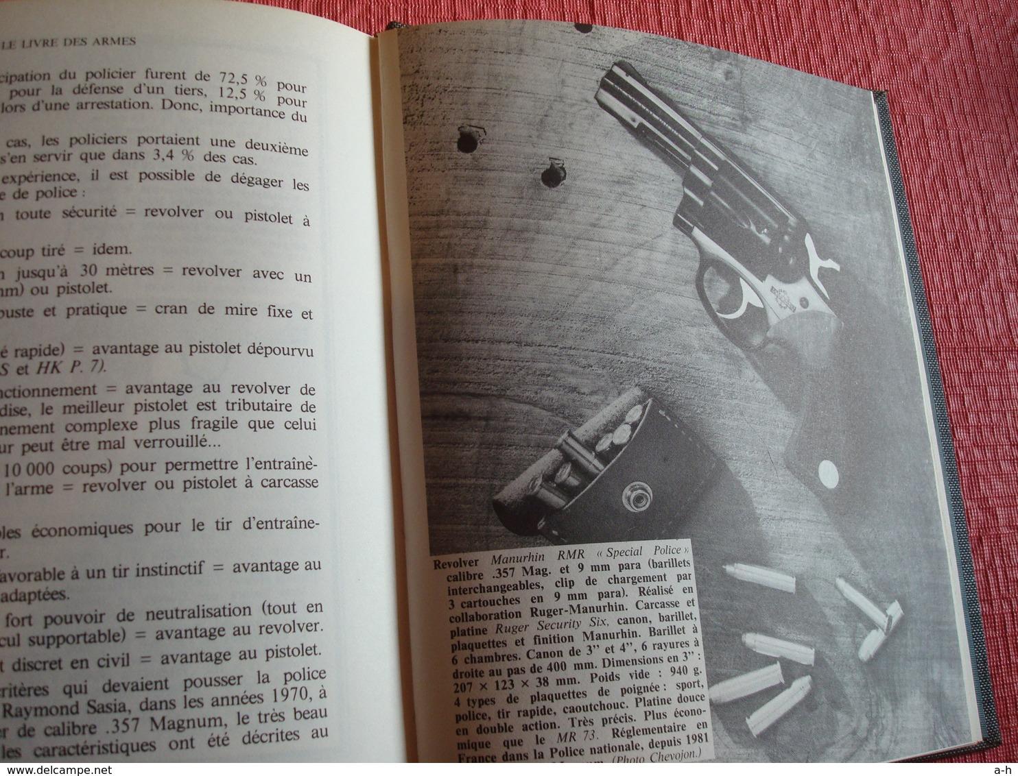 Le Livre Des Armes , D. Venner . 1982 - Boeken