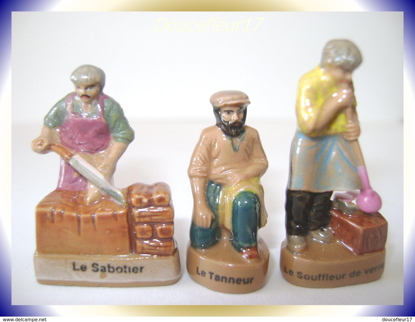 Métiers Antiques ...Lot De 3 Fèves.. Ref AFF : 30-2001 (002) - Personnages