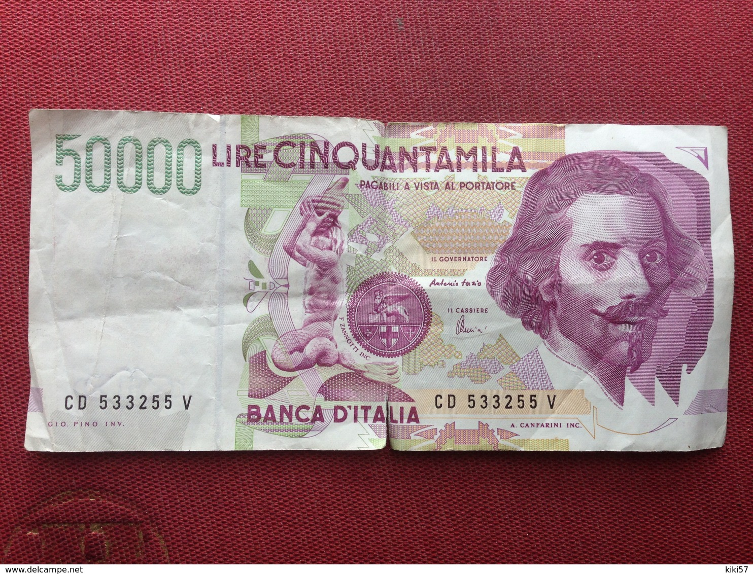 ITALIE Billet De 50000 Lire Ayant Circulé Petites Déchirures Sur Le Pli Central - 50000 Lire
