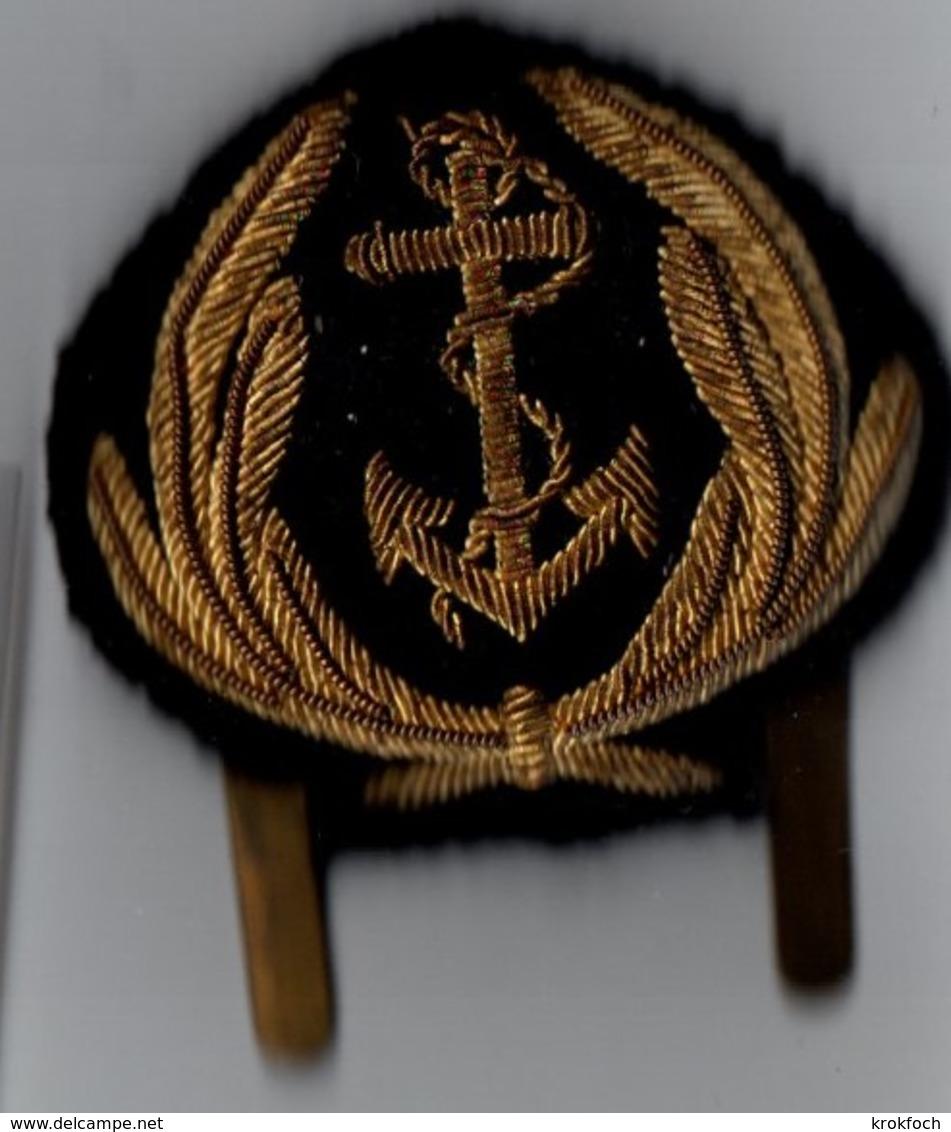 Écusson De Casquette Officier De Marine Avec Accroche Type Années 1960 - France - 2 Scans - Boten