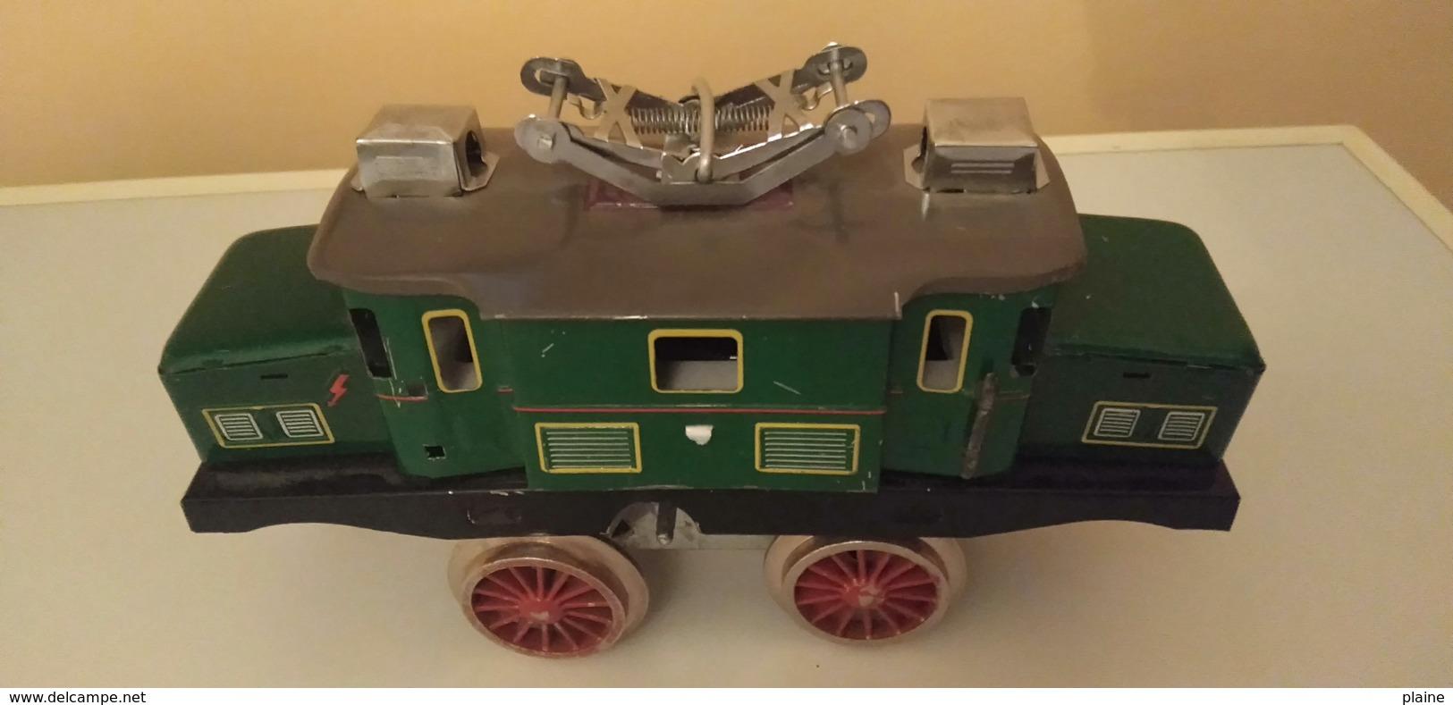 JOUET ANCIEN EN TOLE A MECANISME REMONTOIR -TRAIN ELECTRIQUE - Toy Memorabilia