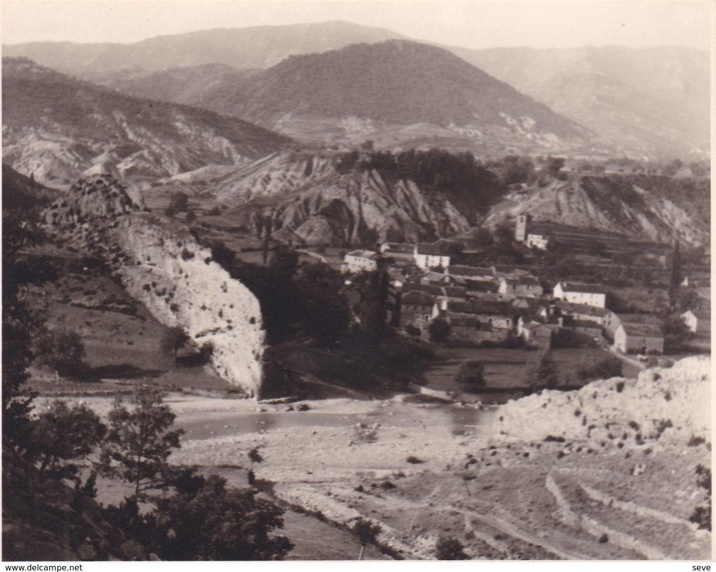 JANOVAS Esapgne 1950 Calle Antonio Perez Et San Juan Photo Amateur Format Environ 7,5 Cm X 5,5 Cm - Places