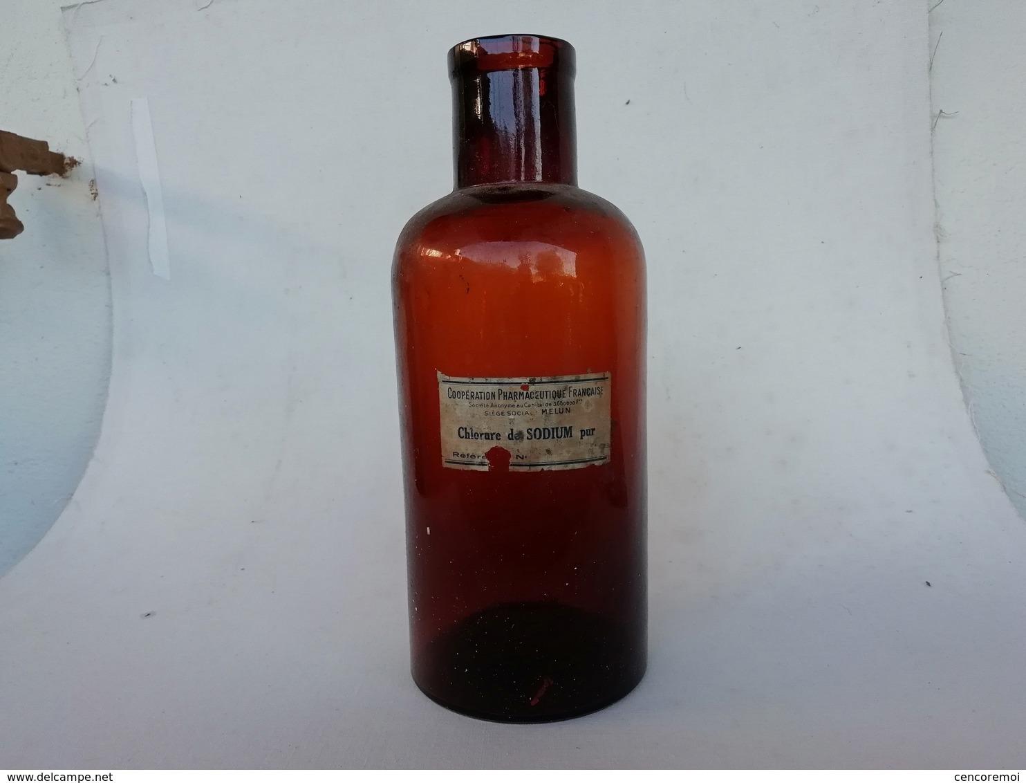 Flacon De Pharmacie Ancien, Verre Soufflé-moulé Avec étiquette, Melun - Technical