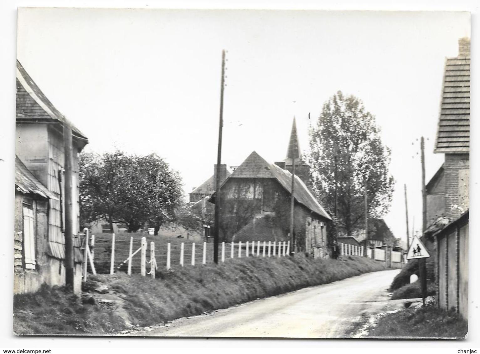 Cpsm: 27 LE COUDRAY EN VEXIN (ar. Les Andelys) Le Village (carte Photo) - France