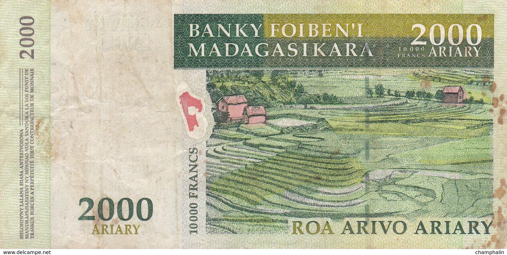 Madagascar - Billet De 2000 Ariary - 2000 - Madagascar
