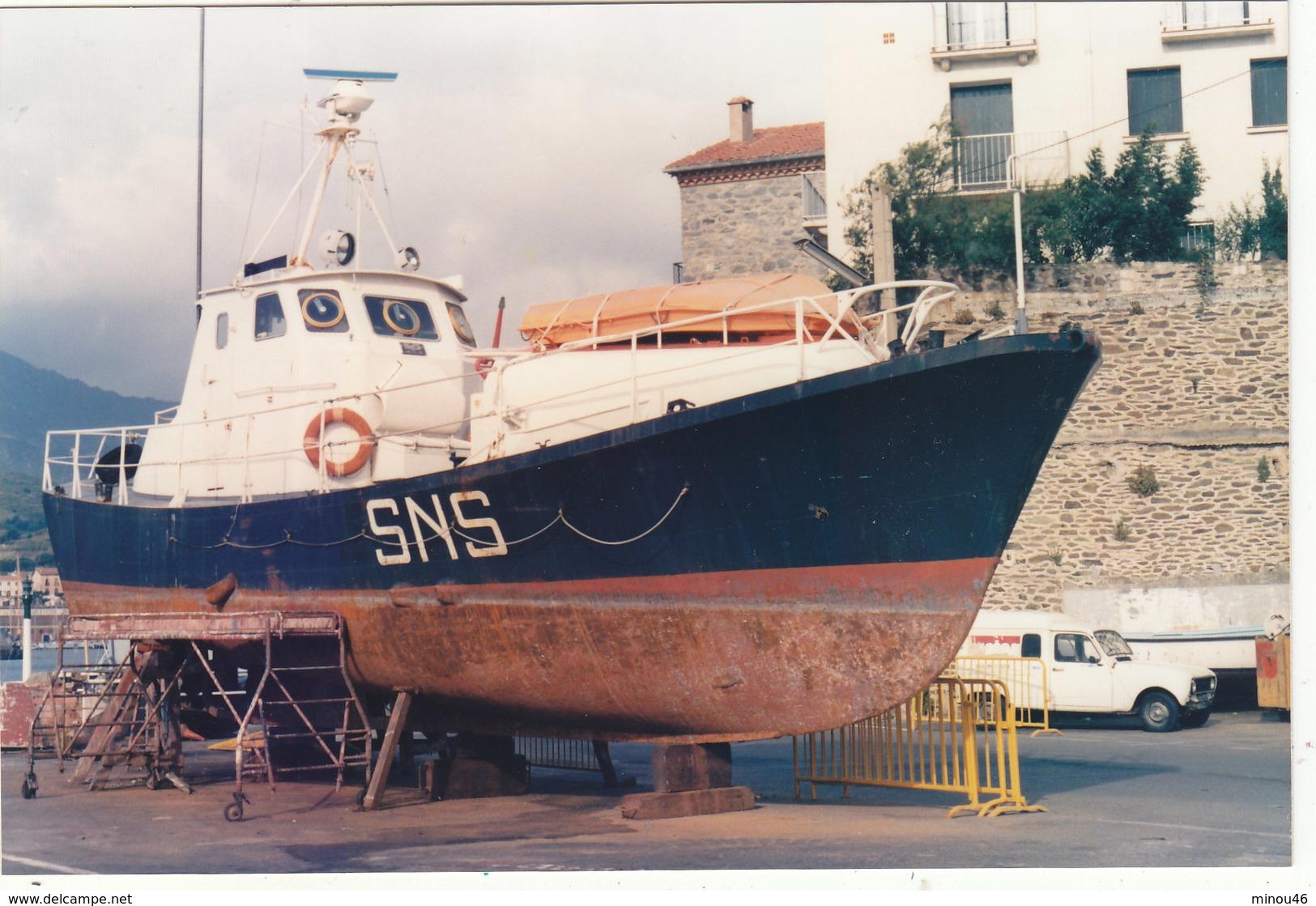 """PHOTO 14.3./9.5.CMS CANOT DE LA SNSM """" JOANNES NOEMI """" 07/1988 .A PORT VENDRES.T.B.ETAT .A SAISIR .PETIT PRIX. - Boats"""