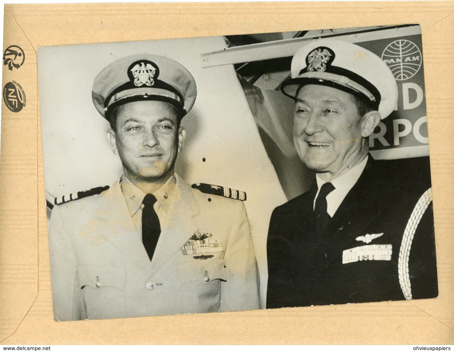 Photo Originale , Le Commandant  Du  NAUTILUS  Le Capitaine W.R. ANDERSON  Et CLIFFORD - Guerre, Militaire