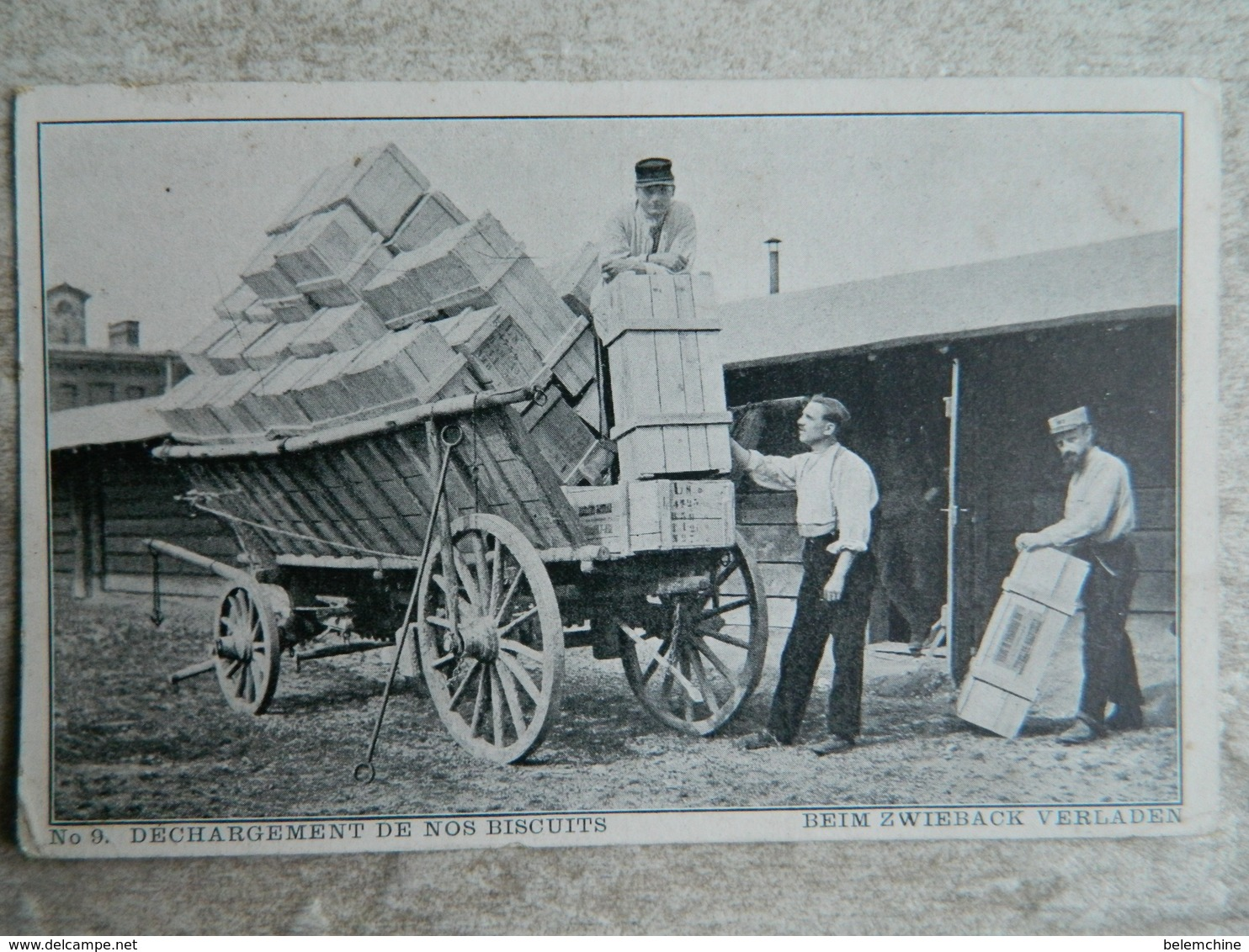 CAMP DE PRISONNIERS EN ALLEMAGNE  (PUSCHHEIM BAVIERE)   DECHARGEMENT DE NOS BISCUITS - Guerre 1914-18