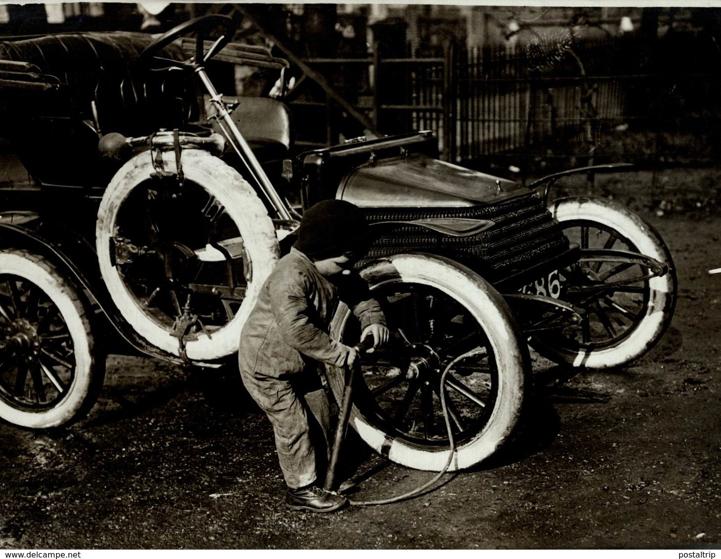 21*17 CM Fonds Victor FORBIN 1864-1947 - Coches